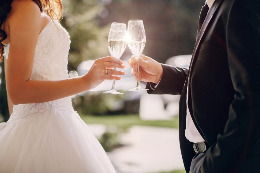 The Best Alcohol to Have in Your Wedding
